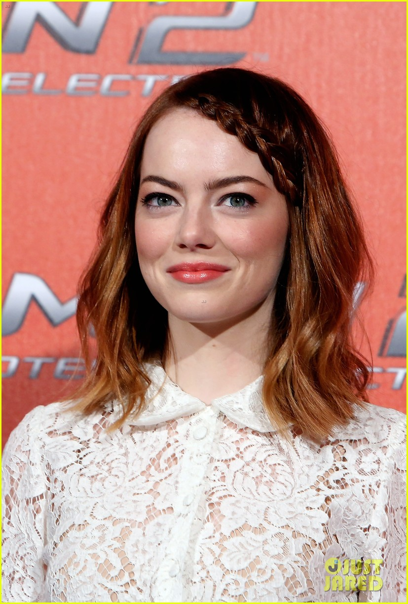 emma stone braids her hair spider man 2 rome photo call 04