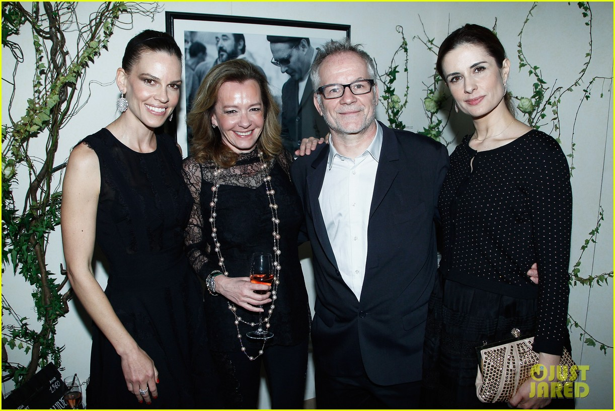 hilary swank joins berenice bejo at the chopard cocktail party 093088283