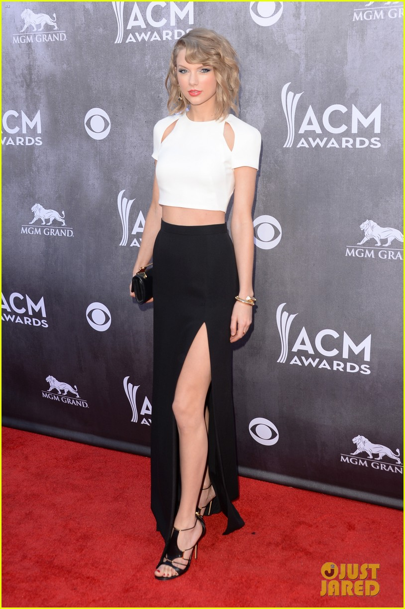 taylor swift acm awards 2014 red carpet 013085788