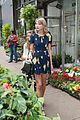 taylor swift celebrates earth day by going flower shopping 16