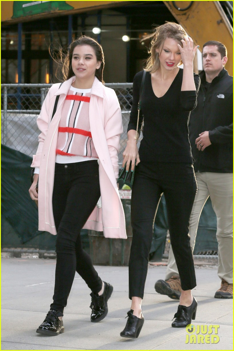 Full Sized Photo Of Taylor Swift Hailee Steinfeld Get Caught In The Wind 14 Photo 3100558 Just Jared