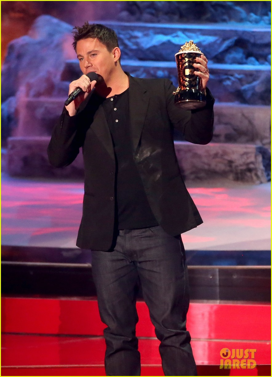 channing tatum wins trailblazer award at mtv movie awards 2014 013091348
