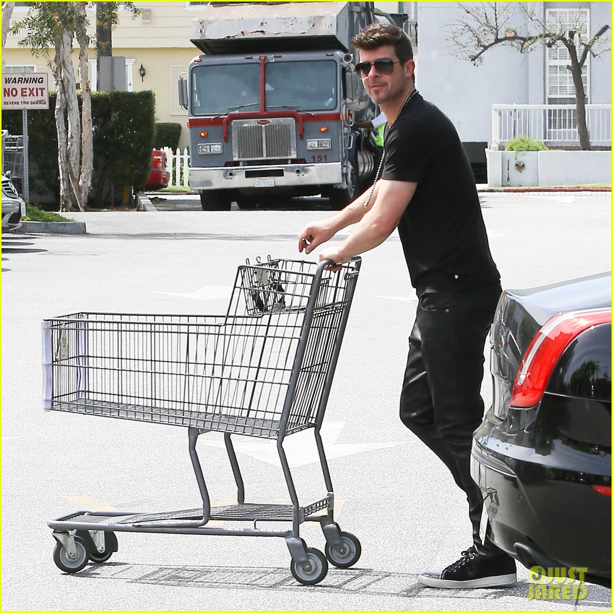 robin thicke iheartradio music awards voting 073084965