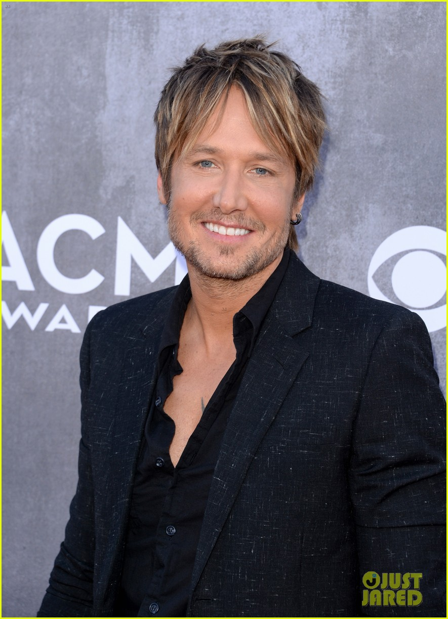 keith urban acm awards 2014 red carpet 06