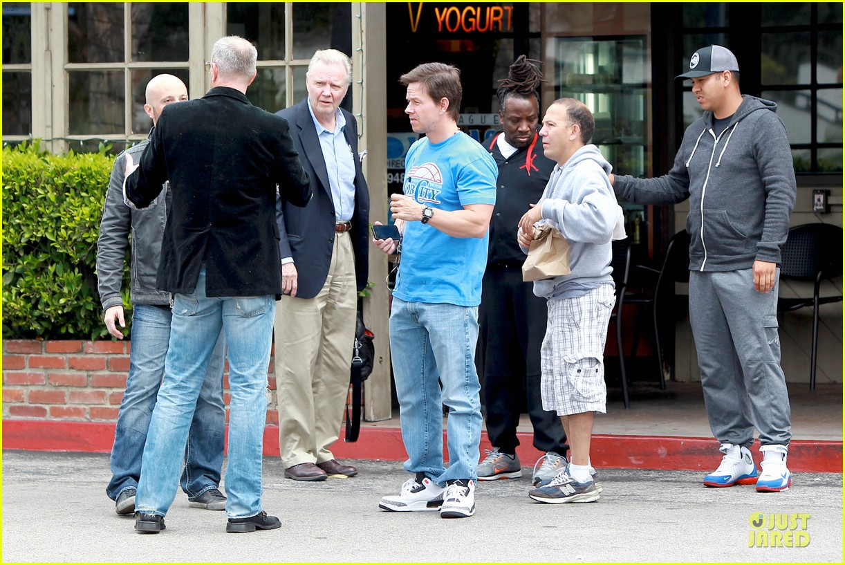 mark wahlberg meets up with jon voight 053099740