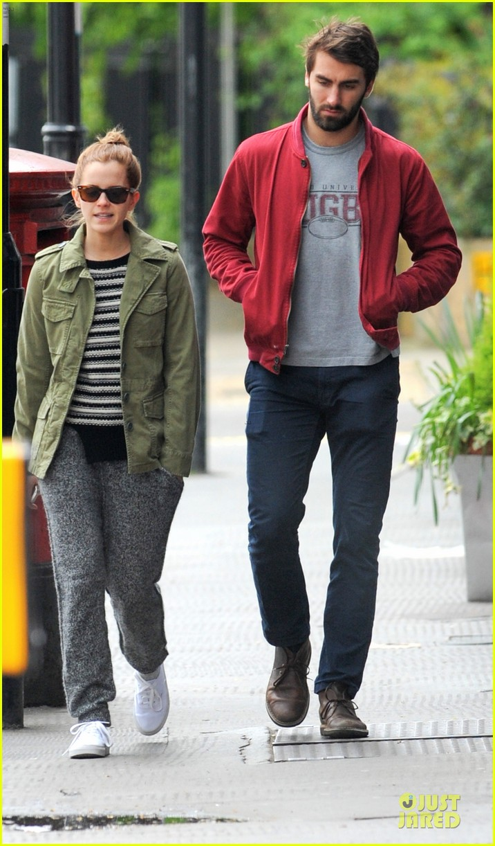 emma watson matthew janney feel at home in london 013099384