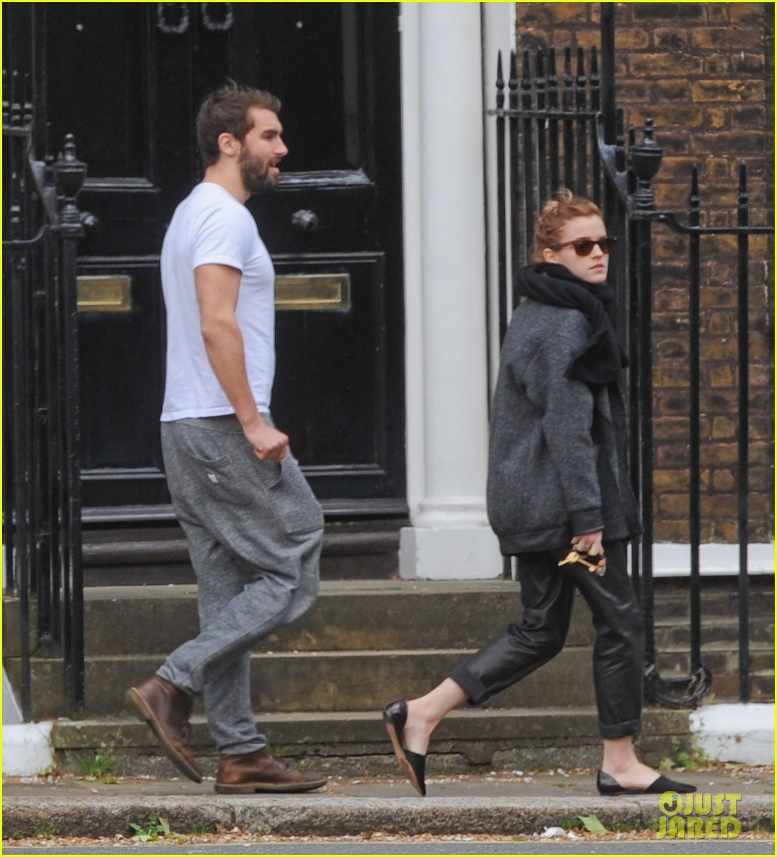 emma watson spends weekend with boyfriend matthew janney 083100859
