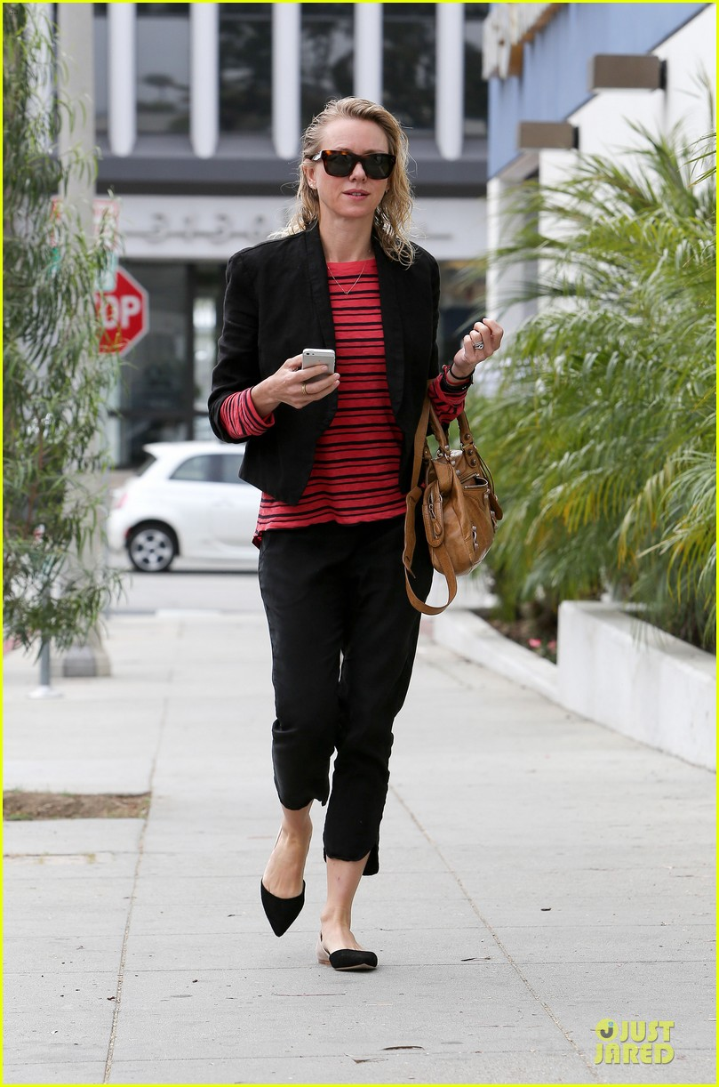 naomi watts style pop with red 113094719