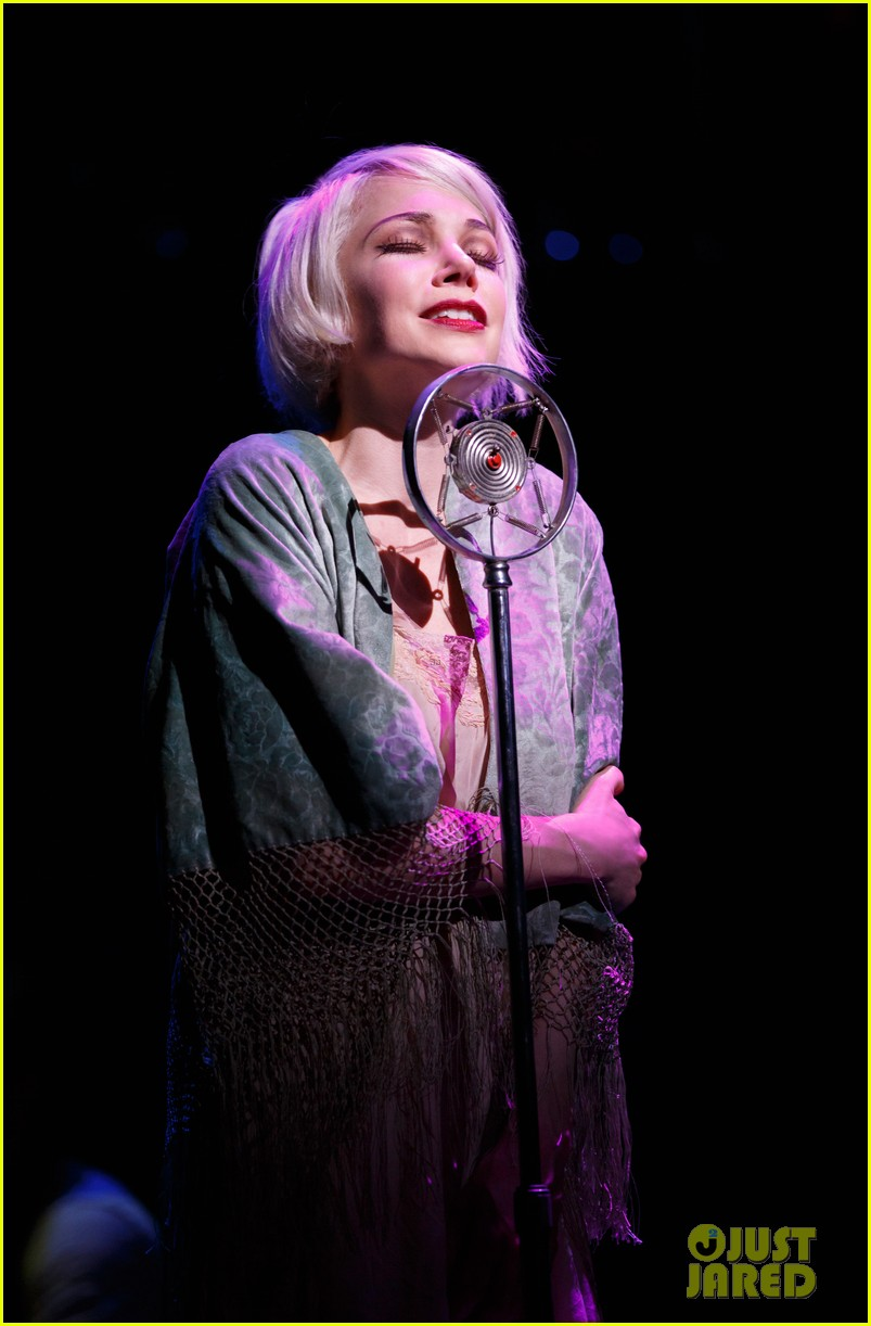 michelle williams dances on broadway new cabaret photos 04