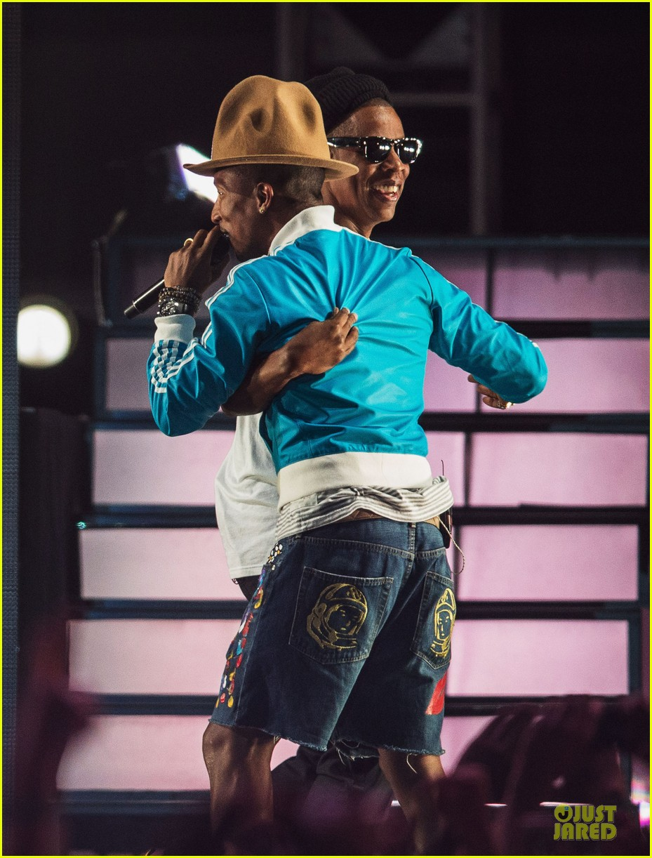 pharrell williams jay z perform at coachella watch now 06