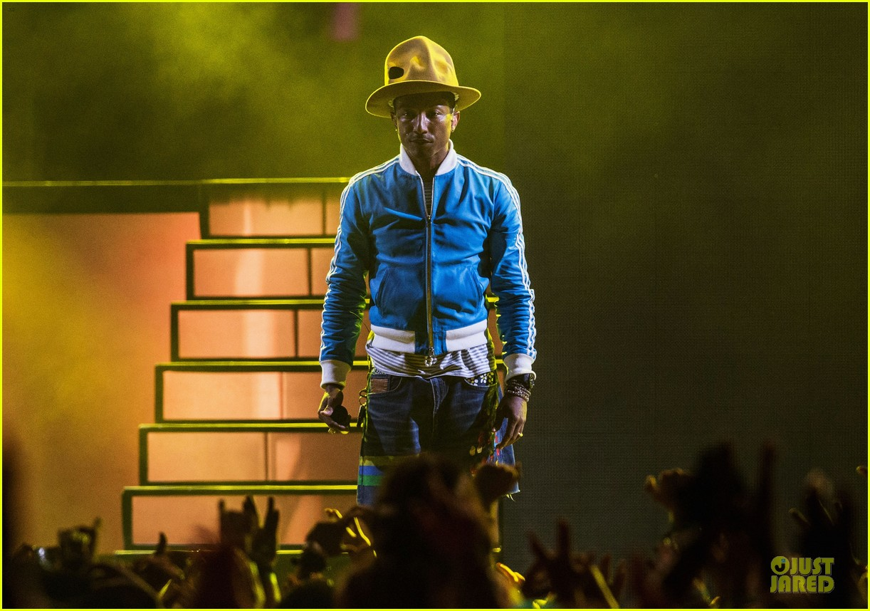 pharrell williams jay z perform at coachella watch now 07