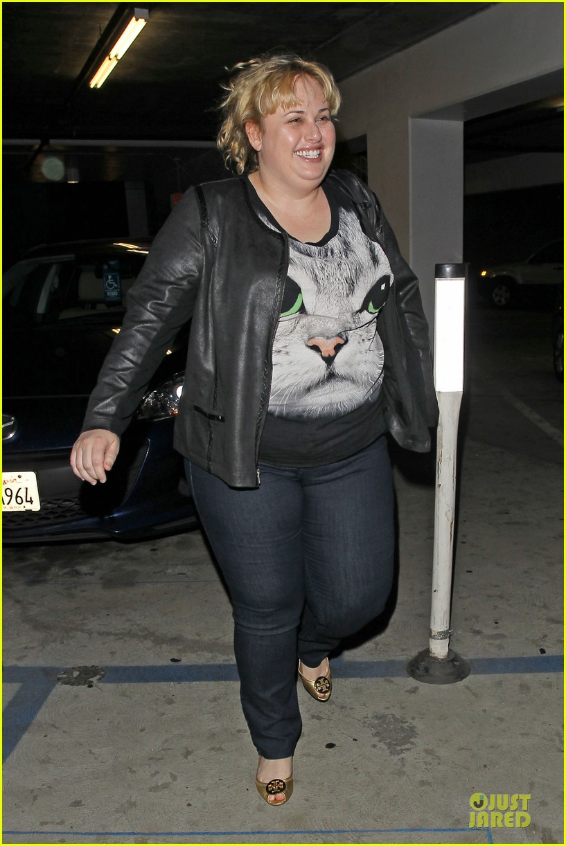rebel wilson meows to arclight cinemas 01
