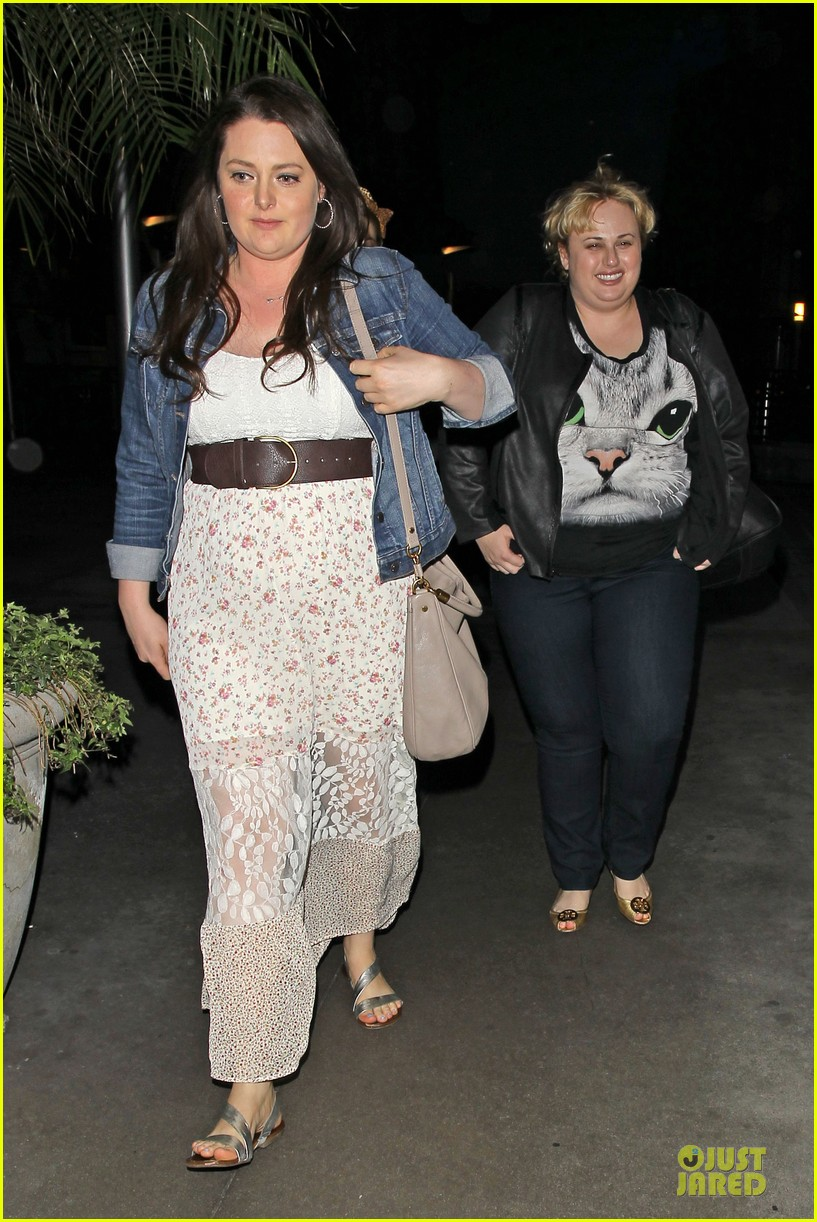 rebel wilson meows to arclight cinemas 033086618