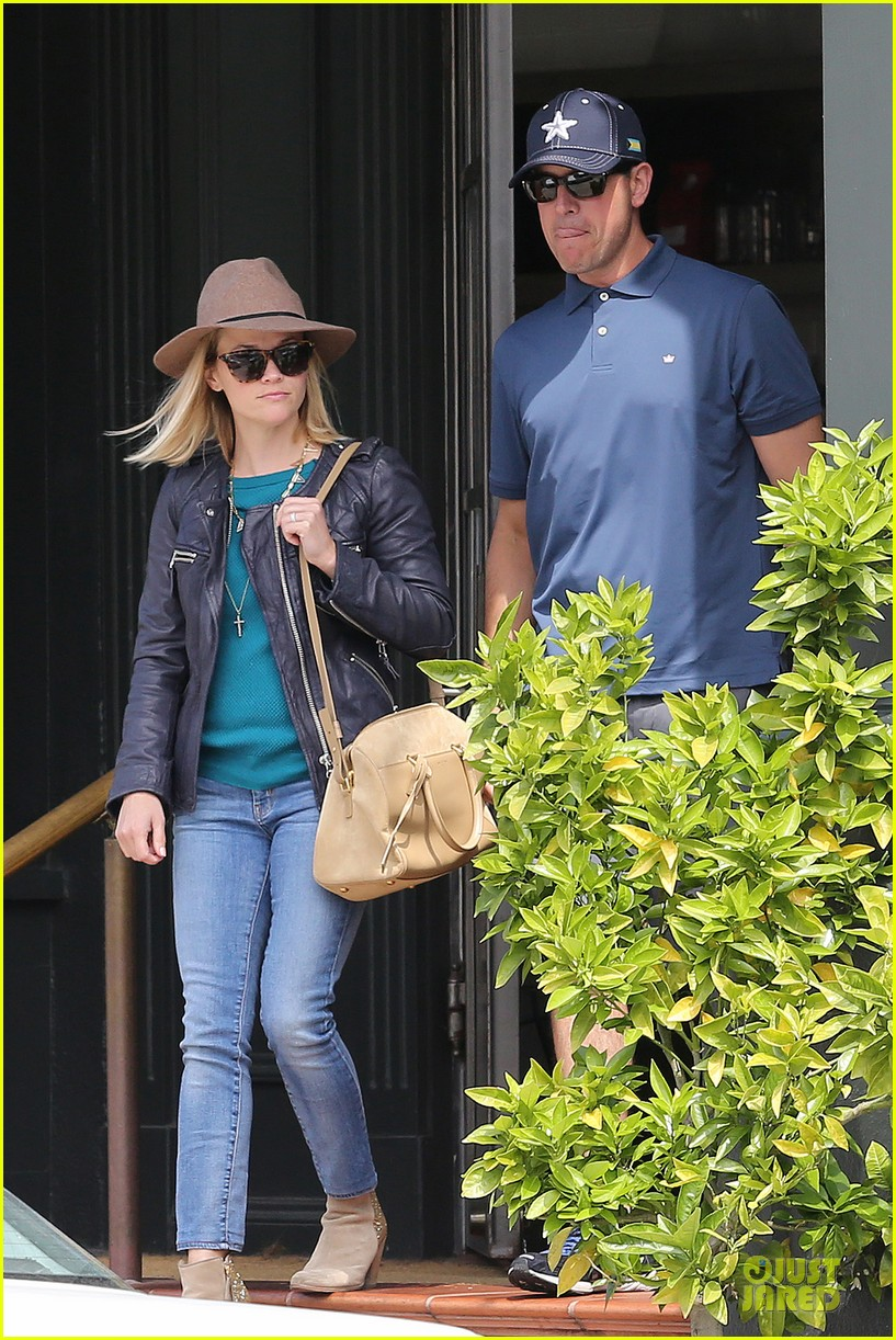 reese witherspoon good friday with jim toth 07