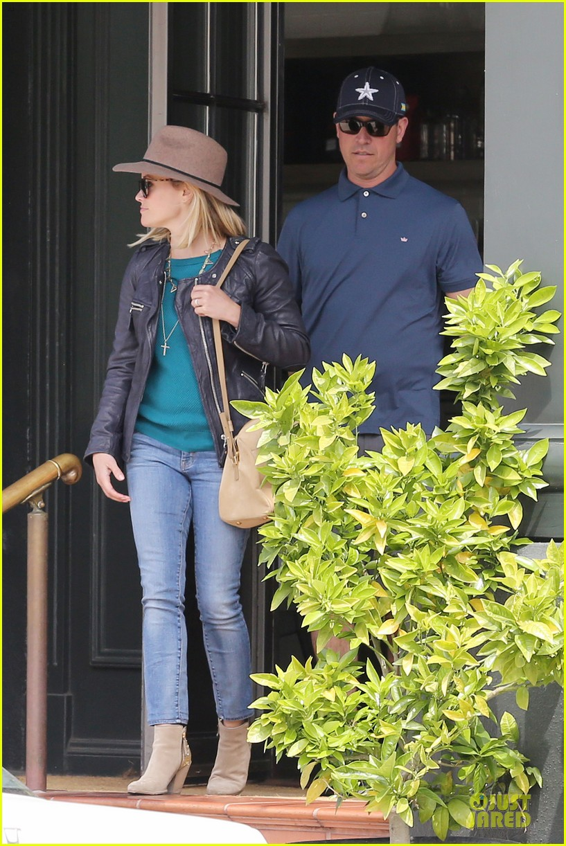 reese witherspoon good friday with jim toth 15