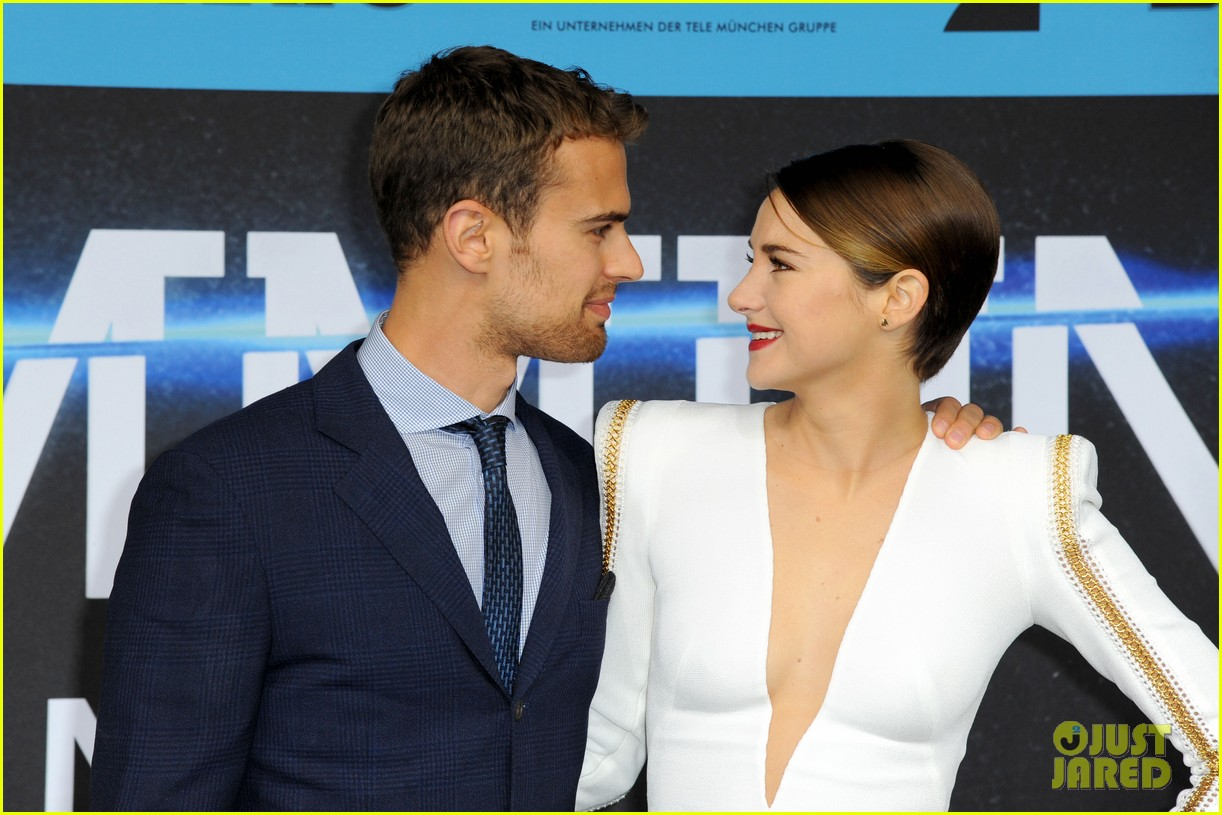 shailene woodley theo james bring divergent to germany 26