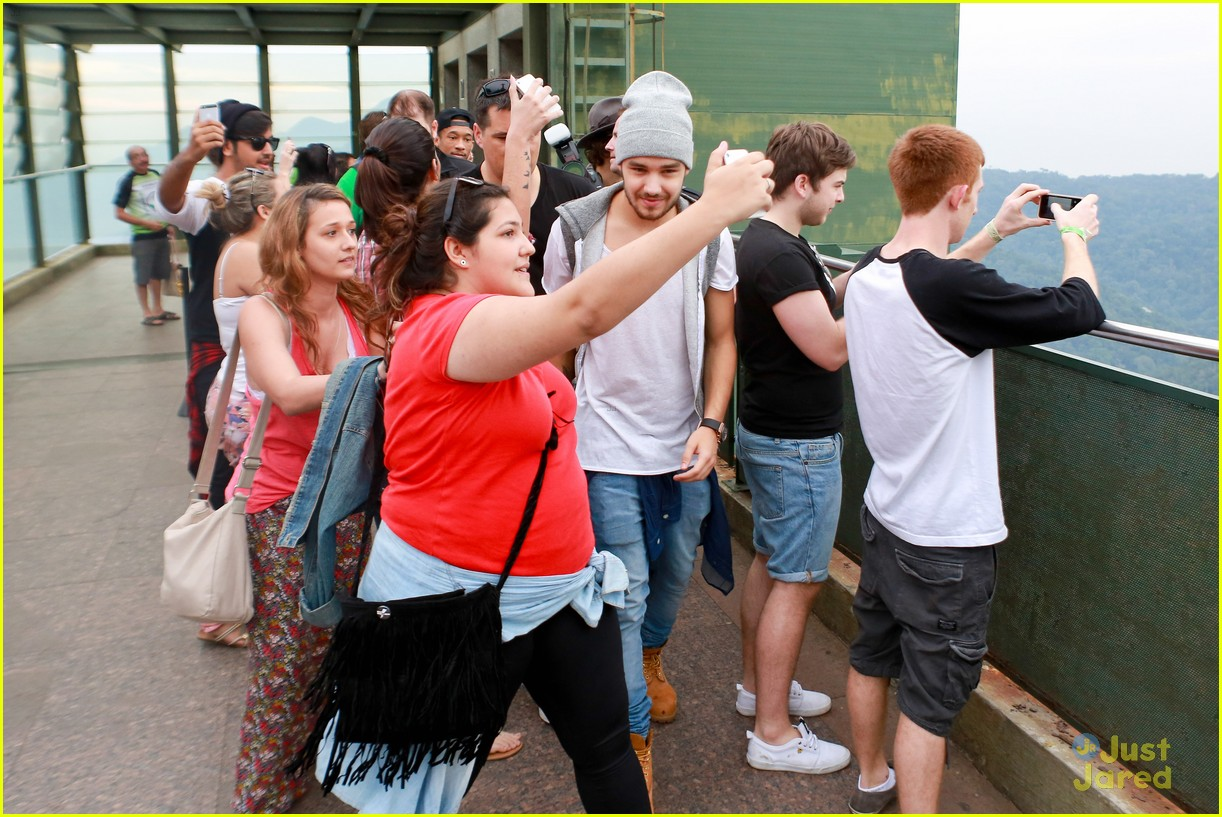 one direction visit christ redeemer statue 28