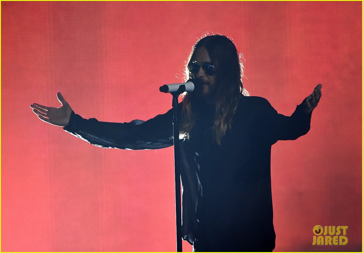 30 seconds to mars perform city of angels iheartradio 09