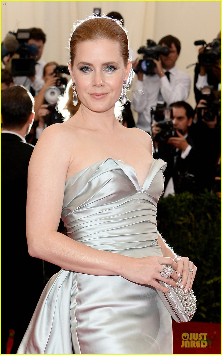 amy adams eyecatching met ball 2014 043106121