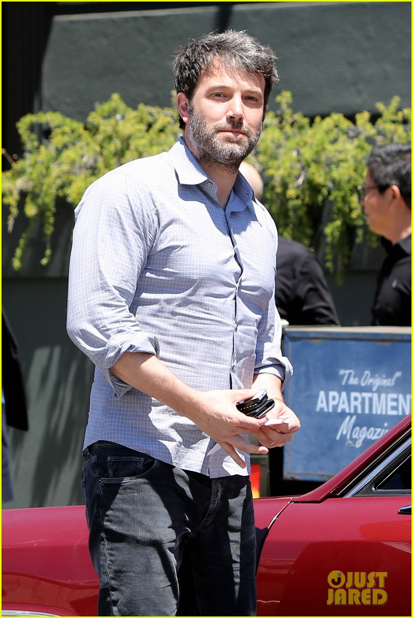 ben affleck reportedly banned from casino for counting cards 023104306