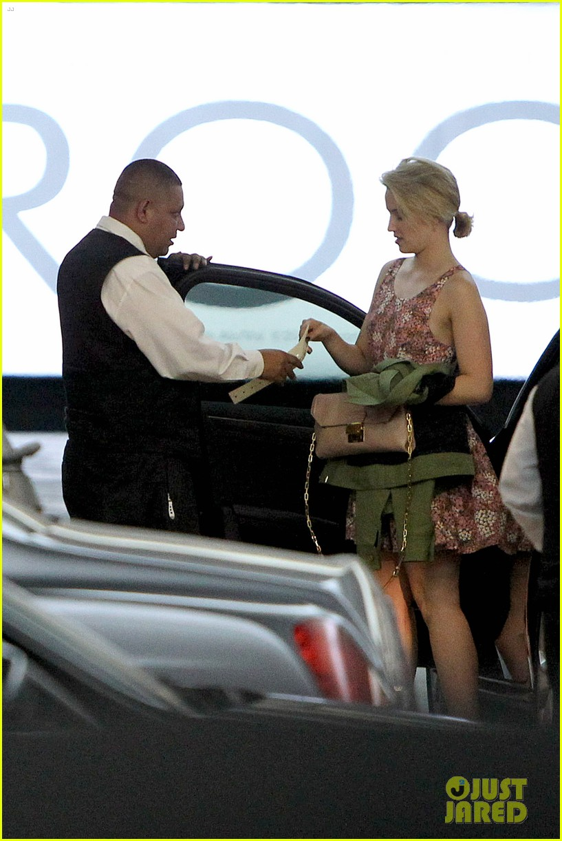 dianna agron braves los angeles heat lunch 09