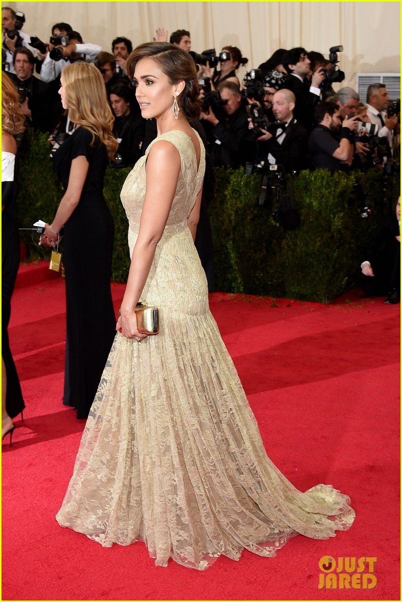 jessica alba cash warren met ball 2014 03