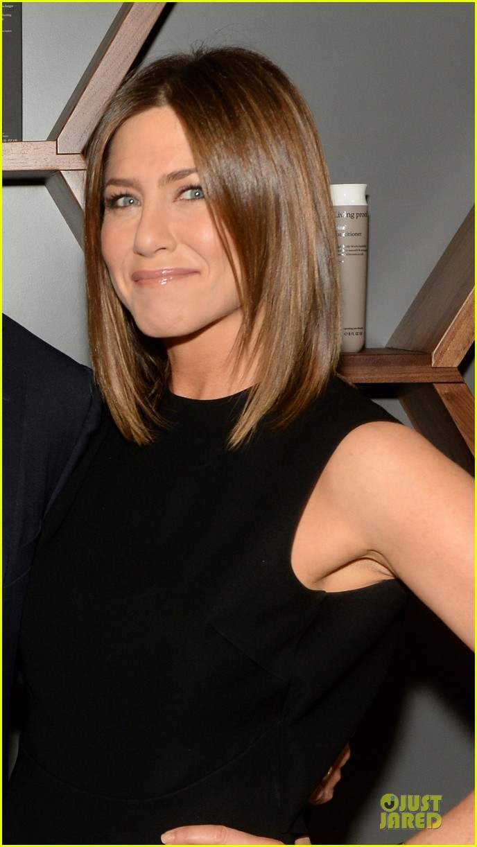 jennifer aniston amazing hair at living proof lab 04