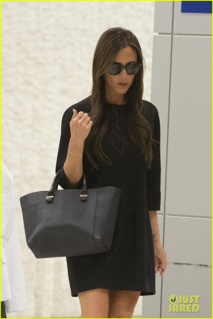 victoria david beckham arrive in nyc ahead of met ball 2014 153105476