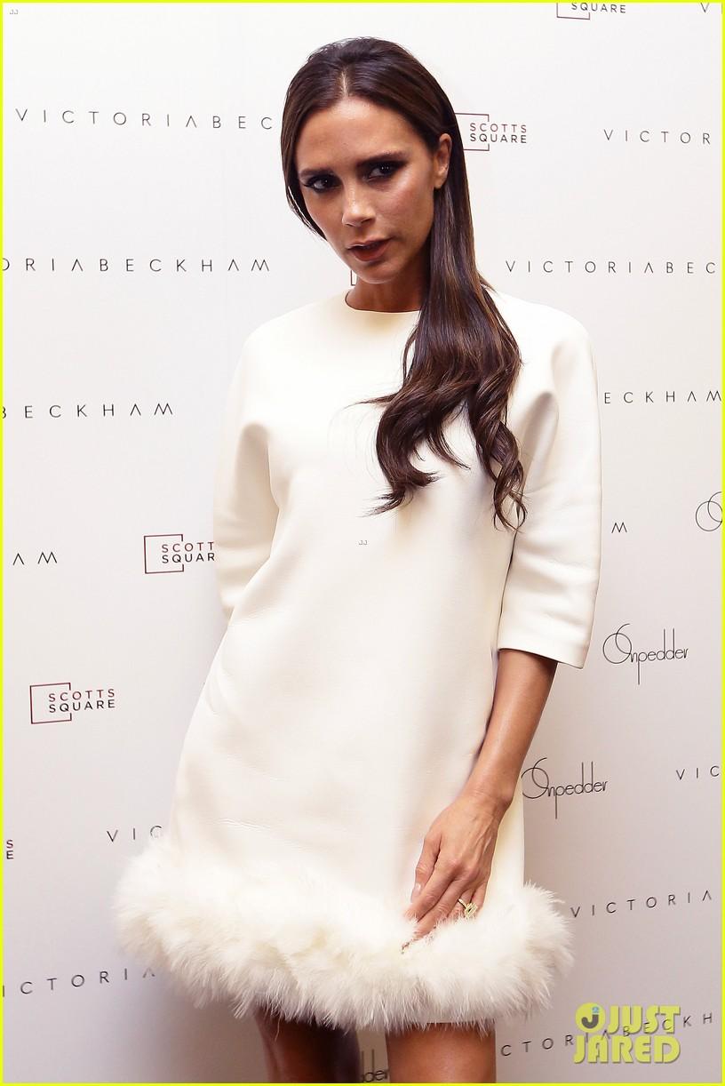 victoria beckham goes white hot for on pedder singapore 12