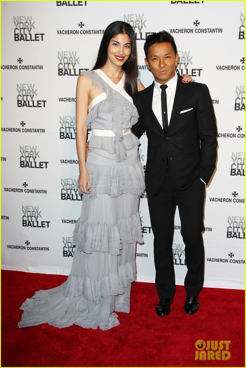 kristen bell is belle of the new york city ballet spring gala 2014 023109270