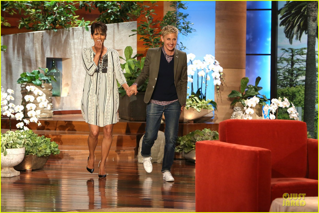 halle berry sucking styles on ellen 01