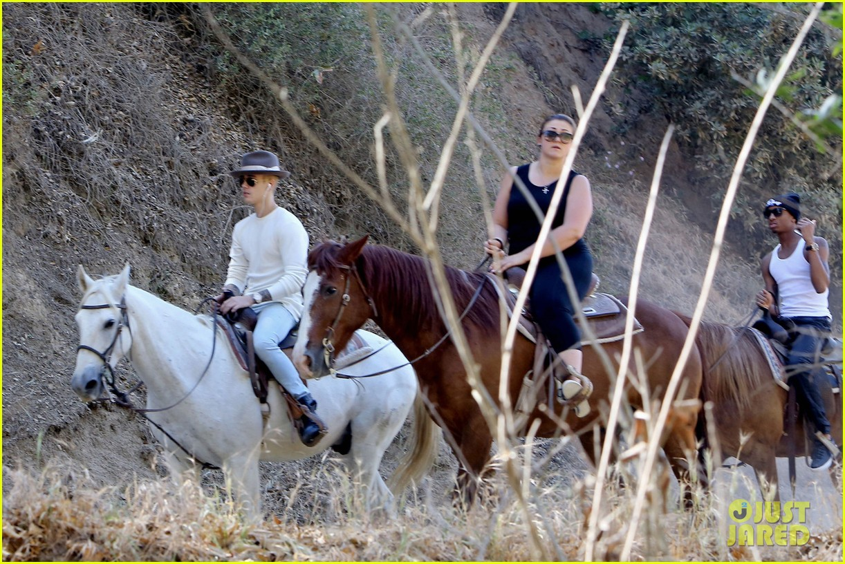 justin bieber shirtless horseback ride 243112060
