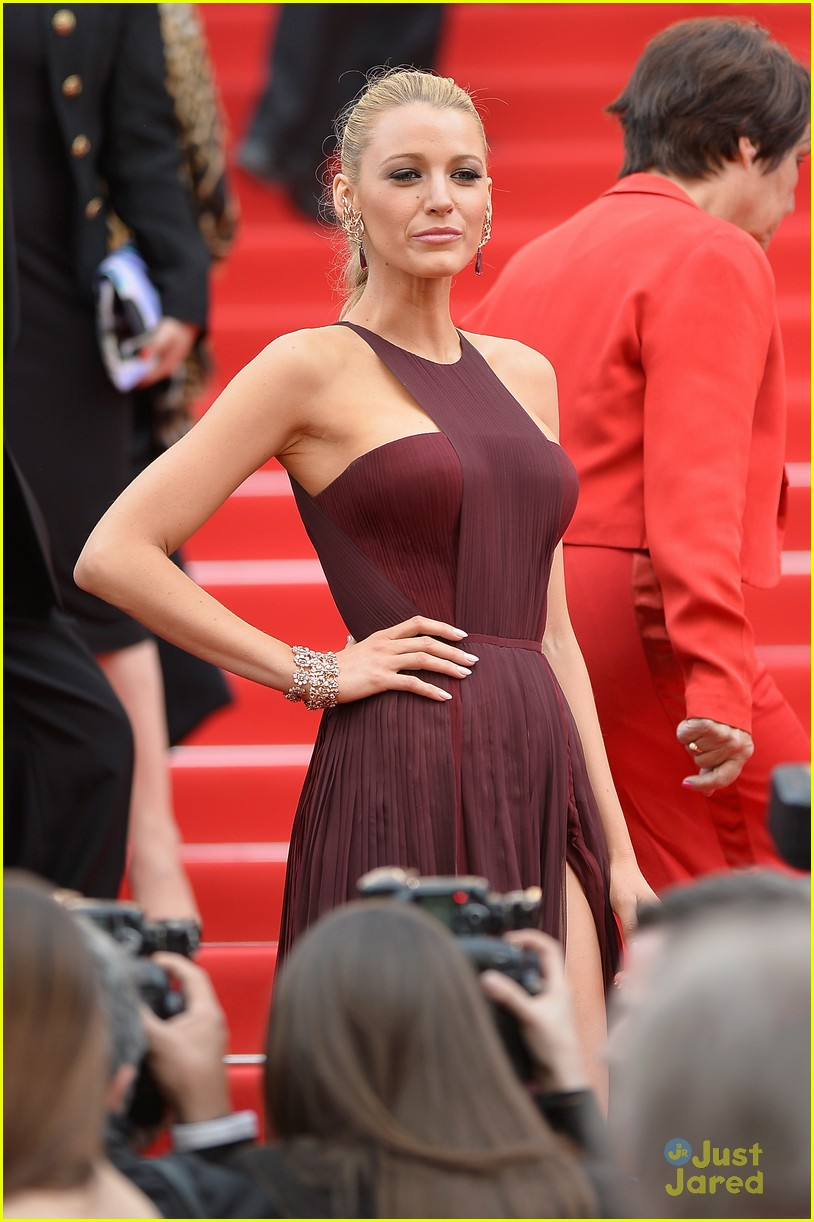 blake lively adele exarchopoulos cannes opening premiere 133113189