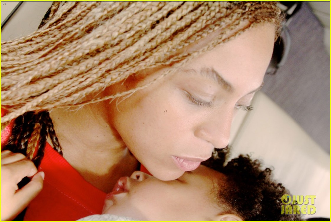 blue ivy carter walks in beyonces shoes 10