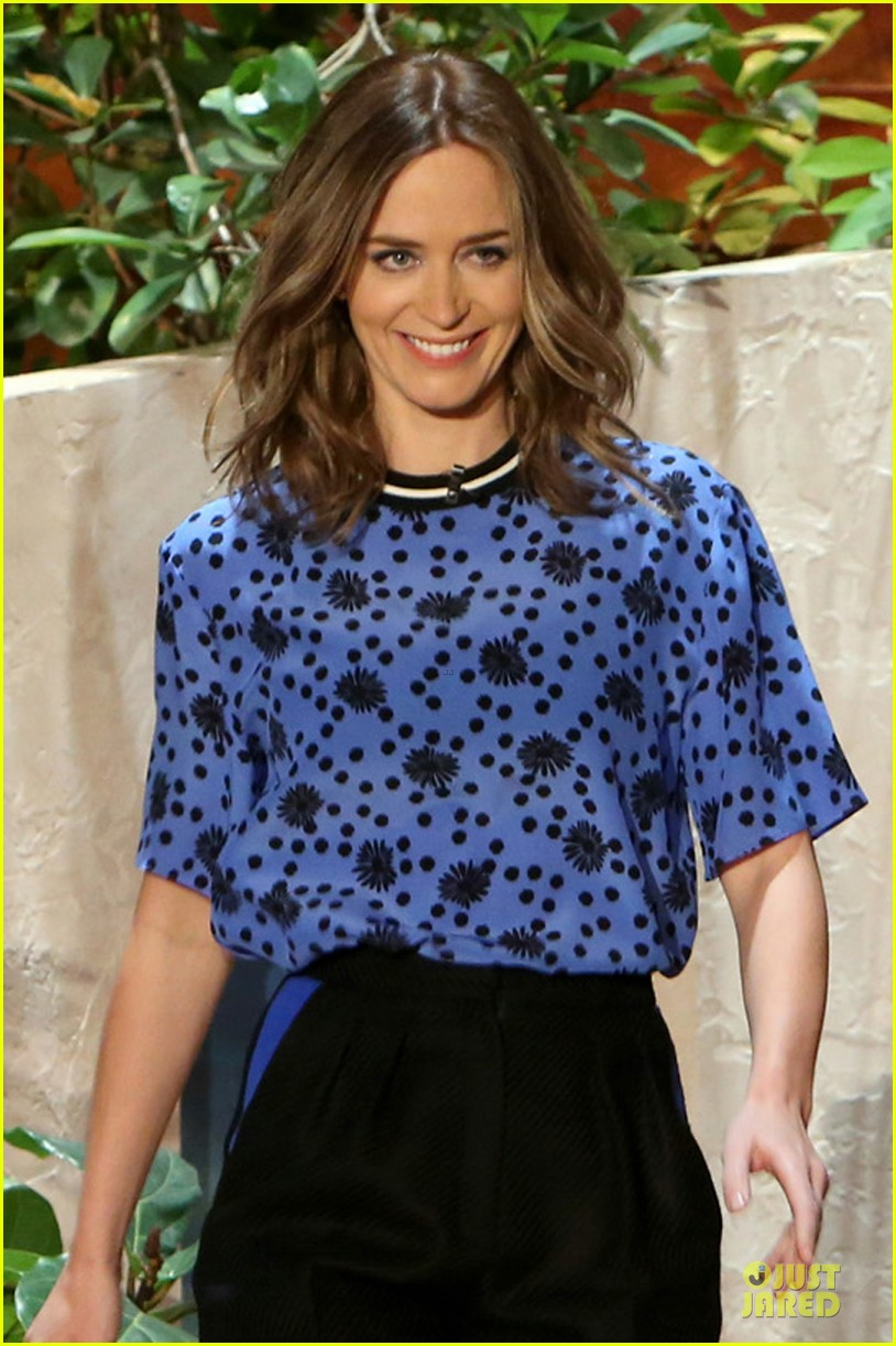 emily blunt opens up on hazel on ellen 04