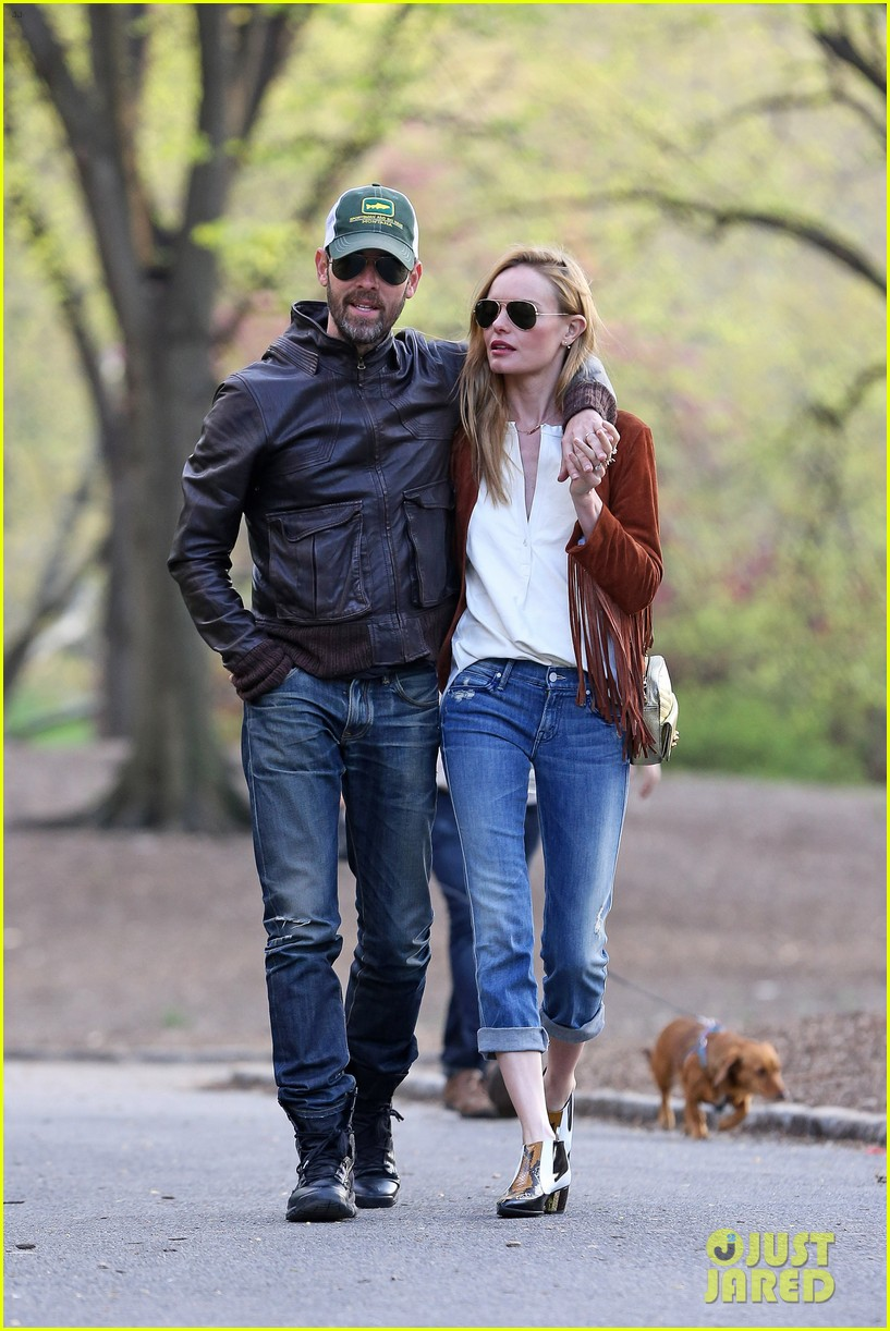 kate bosworth michael polish central park stroll 03