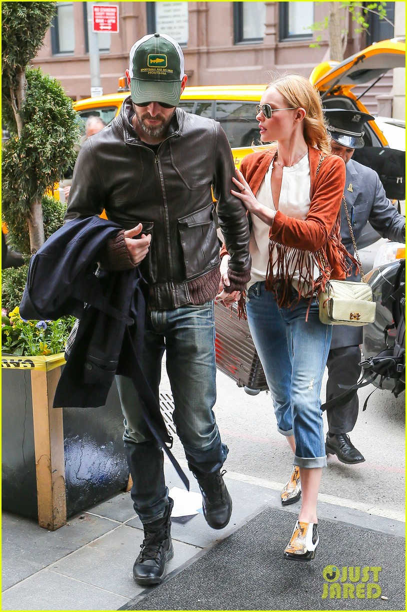 kate bosworth michael polish central park stroll 05