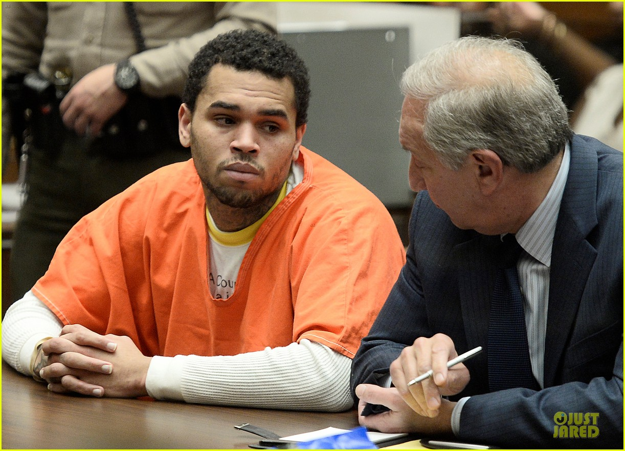 chris brown gets 131 days of jail 023109709