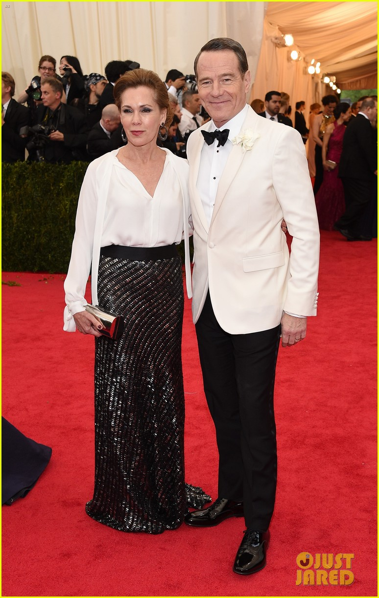 bryan cranston met ball 2014 red carpet 023106541