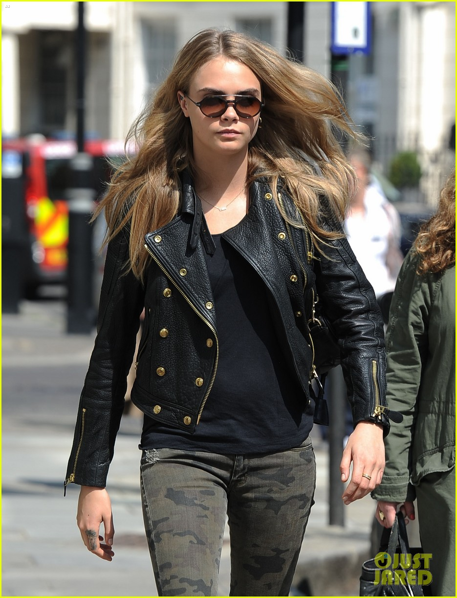 cara delevingne suki waterhouse have another night on the town 06