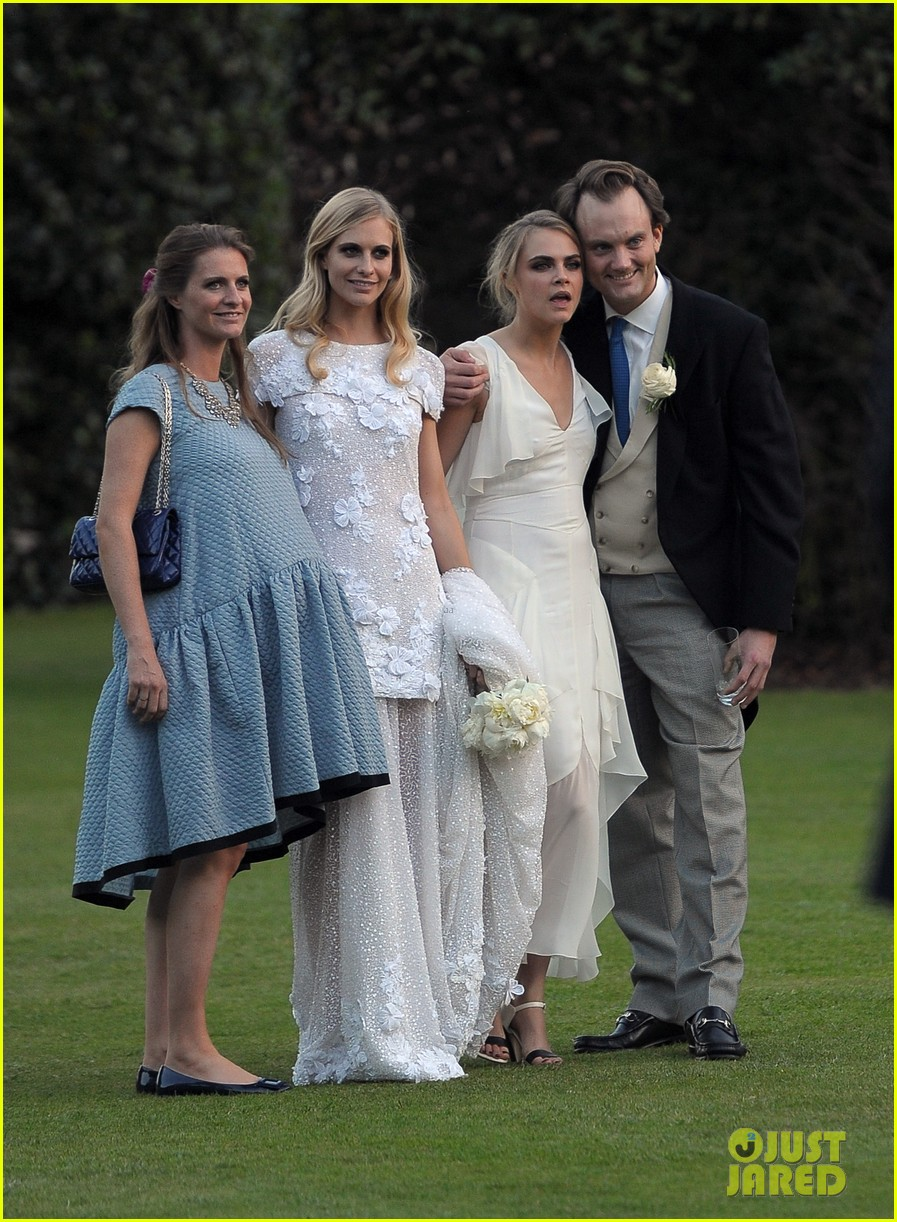 cara delevingne sister poppys wedding 28