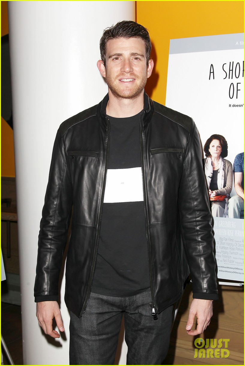 jamie chung supports bryan greenberg at short history of decay 073106779