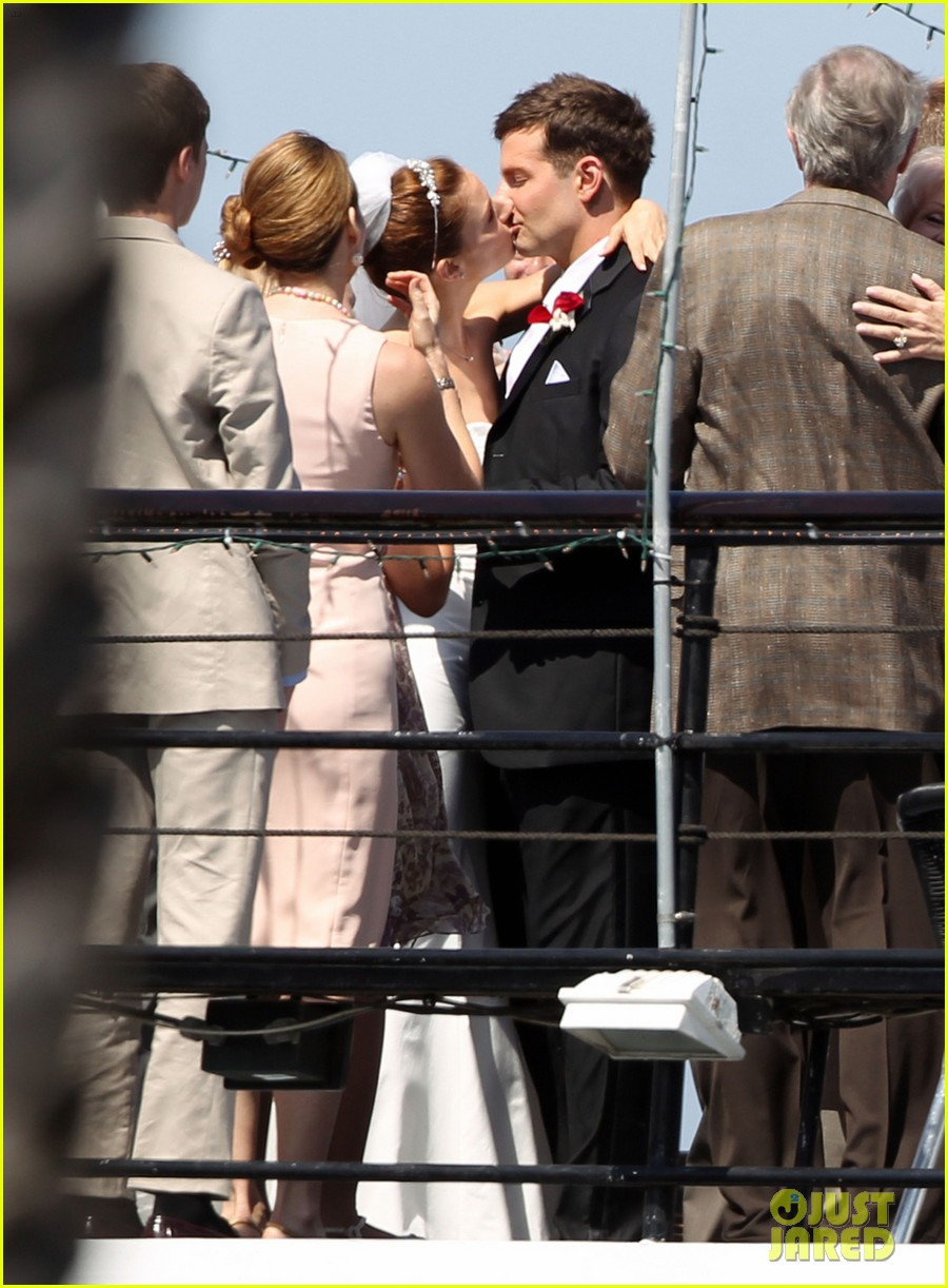 bradley cooper sienna miller just got married 05
