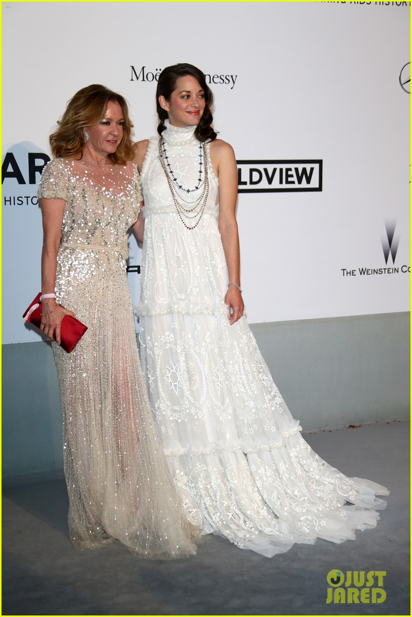 marion cottilard walks amfar gala 2014 red carpet with catherine deneuve 043119951