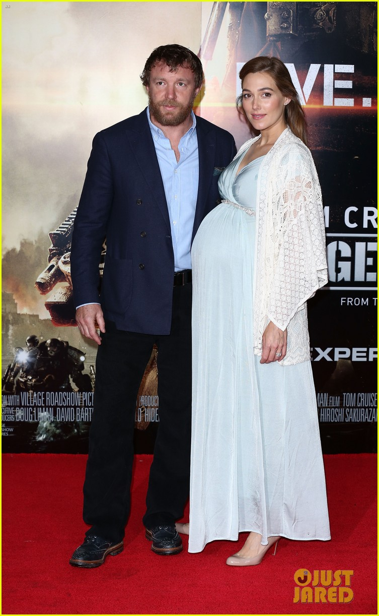 tom cruise emily blunt premiere edge of tomorrow in london 01