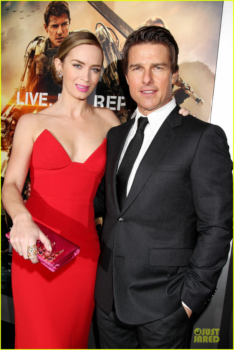 tom cruise emily blunt edge of tomorrow premiere final 143123598