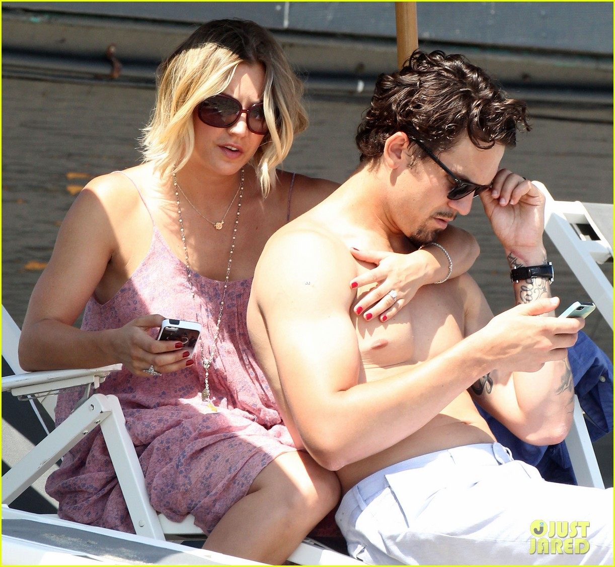 kaley cuoco hits up joel silvers memorial day party with ryan sweeting 183122551