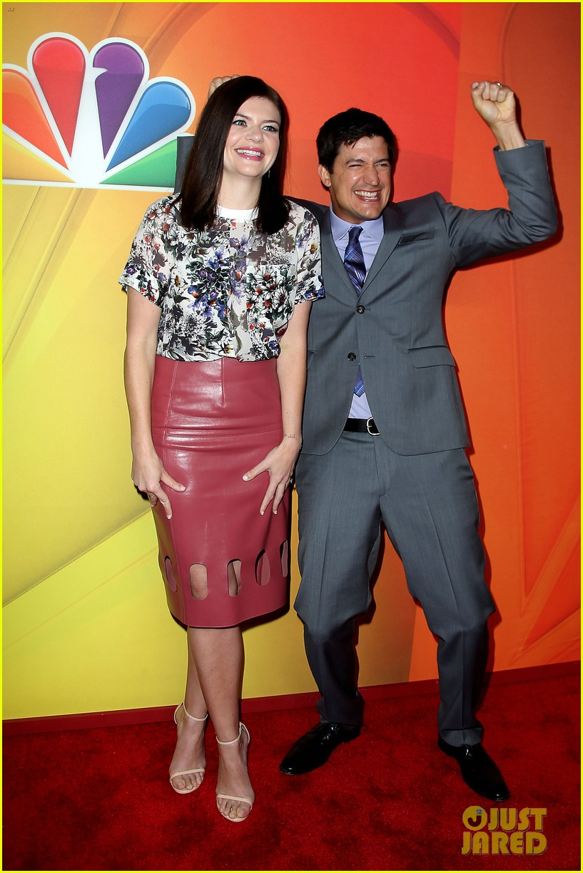 hugh dancy cristin milioti more present shows at nbc upfront 13
