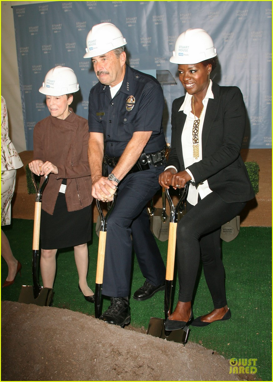 viola davis emily deschanel facility construction 01