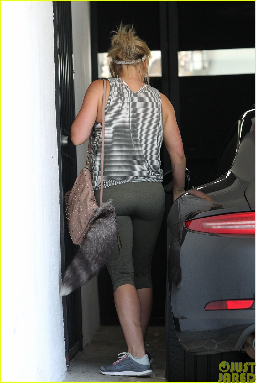 hilary duff hard at work on upcoming album073121046